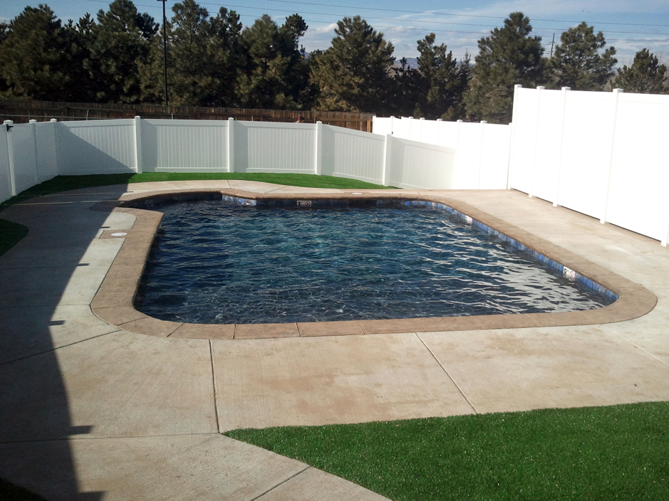 Synthetic grass blair oklahoma landscape rock swimming for Pool design okc
